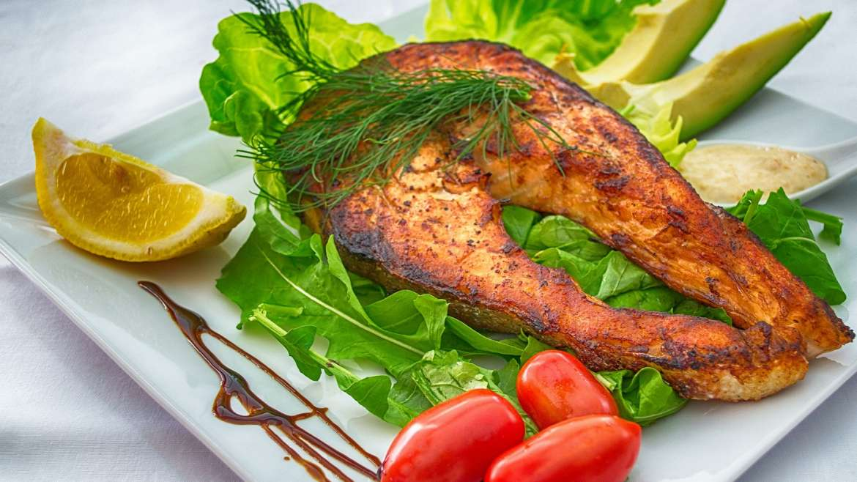 Tasty Tuna Steak Lettuce Wrap